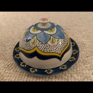Anthropologie butter dish comes with second lid